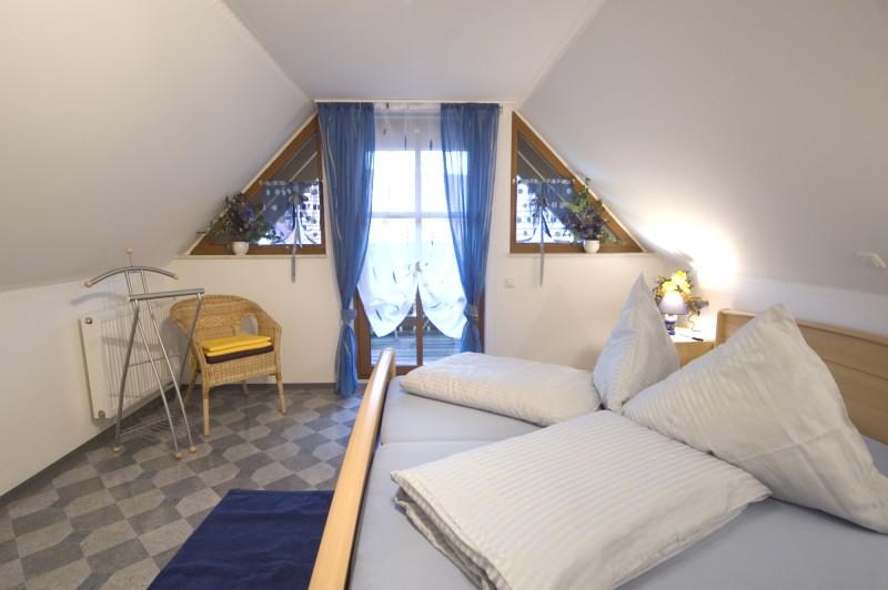 Schlafzimmer Ferienwohnung 1 Haus Sonnenschein