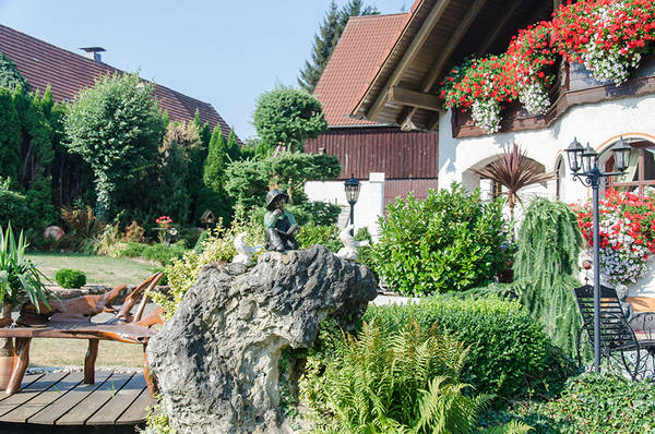Garten der Ferienwohnungen Haus Sonnenschein